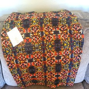 Small Lularoe Cassie skirt brand new with tags
